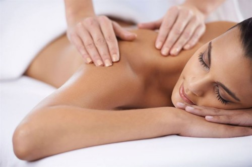 Μοναδικες Προτασεις Χαλαρωσης, Ευεξιας, Θεραπειας και Αναζωογονησης...στους Υπεροχους Χωρους των Συγχρονων και Φημισμενων Γυμναστηριων και Χωρων Αισθητικης Viva La Vita, σε δυο κεντρικα σημεια της πολης! Μολις με 9 ευρω για Ένα (1) Full Body Massage 50', για Γυναικες και Άνδρες, με επιλογη απο Aromatherapy η Σοκολατοθεραπεια η Μυοχαλαρωτικο η Antistress - Relax η Λεμφικο η Massage κατα της Κυτταριτιδας!