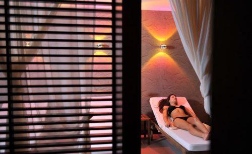 Luxury For Less!!! Απολαυστε τη Μοναδικη και Υπερπολυτελη Εμπειρια του All Senses Fitness & Health Club στο Διακεκριμενο 4* Anatolia Hotels Thessaloniki, στην καρδια της πολης… με Τεσσερις (4) Εξαιρετικες προτασεις Απολυτης Ευεξιας, με Απολαυστικο Indian Head & Back Massage | Deep Tissue Full Body Massage με ειδικη Refreshing Massage Cream | Revitalizing Full Body Massage | & Πληρες Πακετο Χαλαρωσης, περιποιησης και Ευεξιας με Traveller Hydrating Facial (Χαλαρωτικη Περιποιηση Ενυδατωσης Προσωπου) & Indian Head & Back Massage & Deep Tissue Full Body Massage η Revitalizing Full Body Massage!