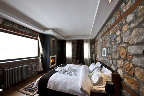 Πολυτελης Αποδραση Παρασκευη-Σαββατο-Κυριακη στον πιο Κοσμοπολιτικο Προορισμο της Βορειας Ελλαδας, στο Ατμοσφαιρικο και Ειδυλλιακο Περιβαλλον του Πολυτελους Art Hotel Miramonte Chalet Hotel Spa στον Παλιο Άγιο Αθανασιο στο Αγαπημενο και Πανεμορφο Καιμακτσαλαν! Πολυτελες 3ημερο Πακετο για Δυο Άτομα, με Διαμονη σε Superior Double Room με Τζακι, Πλουσιο Πρωινο, Χρηση της Εντυπωσιακης Εσωτερικης Πισινας & των Χωρων του Spa & 1 Φιαλη Σαμπανιας & Φρουτα και Early Check In - Late Check Out!