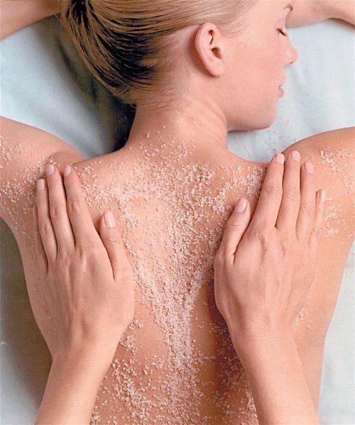 Υπεροχη προταση για υγιες και λαμπερο δερμα…  με 1 απολαυστικο Full Body Scrub (Απολεπιση) με φυτικα/ υποαλλεργικα προιοντα για αποτοξινωση, απομακρυνση των νεκρων κυτταρων απο το σωμα, και για να χαρισετε στην επιδερμιδα σας βελουδινη υφη και λαμψη… σε συνδυασμο με εφαρμογη Μασκας Σωματος και επαλειψη με Αρωματικο Αμυγδαλελαιο….στον νεο, εντυπωσιακο χωρο ομορφιας του αγαπημενου «Woo Me Nails», στο κεντρο της Θεσσαλονικης!