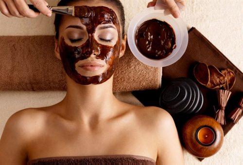 Θεραπεια προσωπου με απολεπιση, εφαρμογη μασκας, ενυδατωση και μασαζ προσωπου