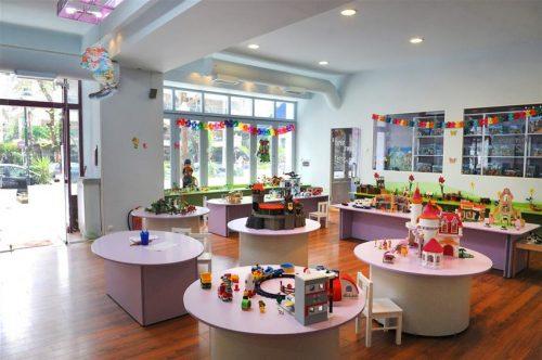 Εισοδος στον παιδοτοπο & Απεριοριστο Παιχνιδι & 1 Εμφιαλωμενο Νερο & 1 Μπανανα & 1 Muffin η Τοστ, για1 Παιδι ηλικιας εως 10 ετων!
