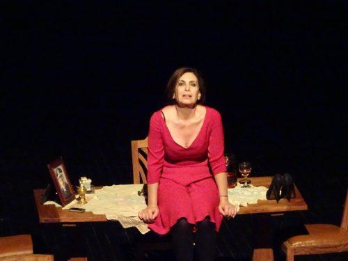 «Η πορνη απο πανω»... ο θεατρικος μονολογος του Αντωνη Τσιπιανιτη με την Κατερινα Διδασκαλου σε σκηνοθεσια του Σταματη Πατρωνη, επιστρεφει στην Θεσσαλονικη για 2 παραστασεις  30/11-01/12