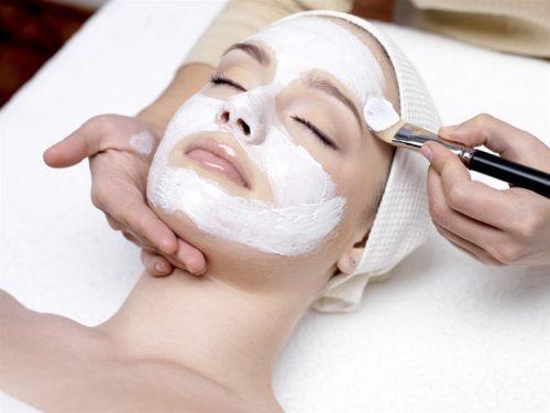 Βαθυς καθαρισμος προσωπου με εφαρμογη peeling, καταπραυντικης μασκας, καταπραυντικης κρεμας & αντηλιακη κρεμα