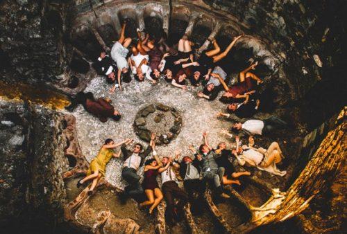 «Η Μεγαλη πλατεια» του Νικου Μπακολα, σε πανελληνια πρωτη απο το Κ.Θ.Β.Ε, σε διασκευηΆκη Δημου