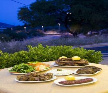 Ταβερνα - Το Έλατο - Χασια - 20€ απο 45€ (Έκπτωση 56%) για Πληρες Γευμα 2 Ατομων στη Χασια με παραδοσιακες γευσεις στην Ταβερνα «Το Έλατο»! Καθε Σαββατο βραδυ και Κυριακη μεσημερι διασκεδαστε με Ζωντανη Μουσικη και απολαυστε ενα πλουσιο δειπνο με τις ομορφοτερες εικονες που γεμιζουν τη ματια καθε επισκεπτη με θεα το βουνο της Παρνηθας!!!
