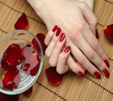 Ημιμονιμο Manicure + Spa Ενυδατωσης - Ημμονιμο Manicure| Φυσικη Ενισχυση- Άλιμος - 12€ για ενα Ημιμονιμο Manicure με πιστοποιημενα βερνικια Victoria Vynn μεγαλης διαρκειας και Spa Ενυδατωσης η 17€ για Φυσικη Ενισχυση Νυχιων με Gel και Aκρυλικο και Spa περιποιηση (Έκπτωση 52%), απo το συγχρονο χωρο του «Healing and Beauty Lab» στον Άλιμο!!!